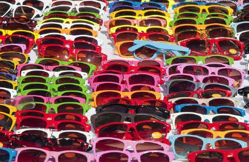 Gli occhiali da sole 'low cost' sono dannosi.