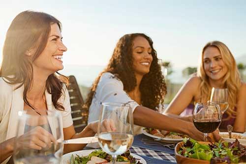 Il contesto sociale influenza fortemente la nostra alimentazione